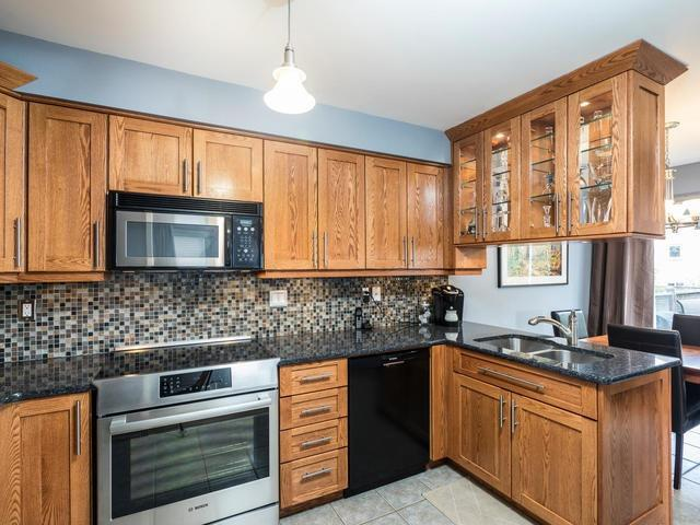 Semi-detached at 46 Silvervalley Dr, Caledon, Ontario. Image 15