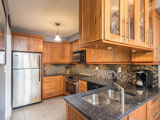 Semi-detached at 46 Silvervalley Dr, Caledon, Ontario. Image 16