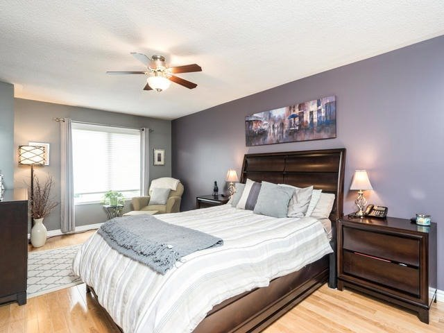 Semi-detached at 46 Silvervalley Dr, Caledon, Ontario. Image 2