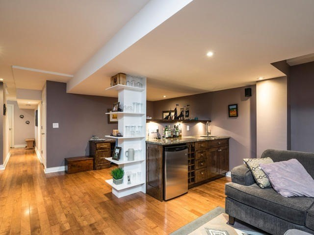 Semi-detached at 46 Silvervalley Dr, Caledon, Ontario. Image 6