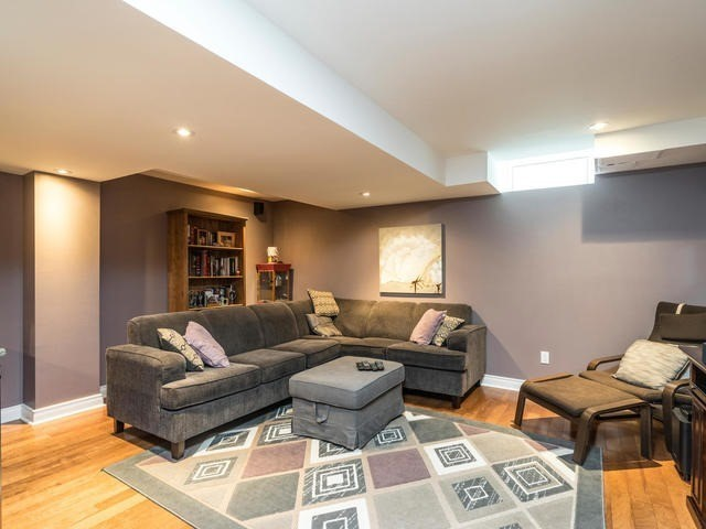 Semi-detached at 46 Silvervalley Dr, Caledon, Ontario. Image 7