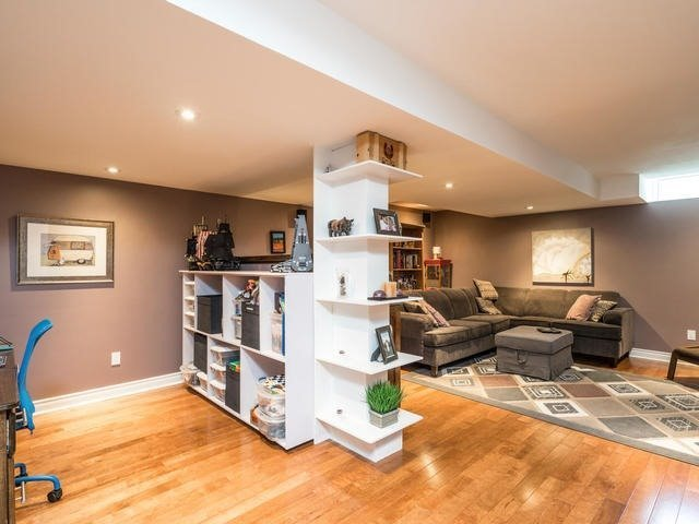 Semi-detached at 46 Silvervalley Dr, Caledon, Ontario. Image 8