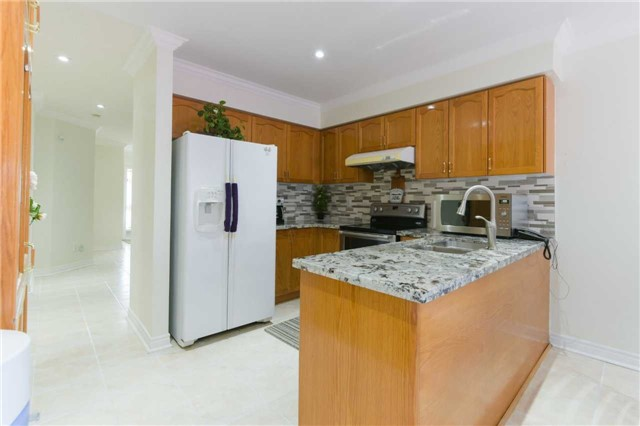 Detached at 6913 Vicar Gate, Mississauga, Ontario. Image 20
