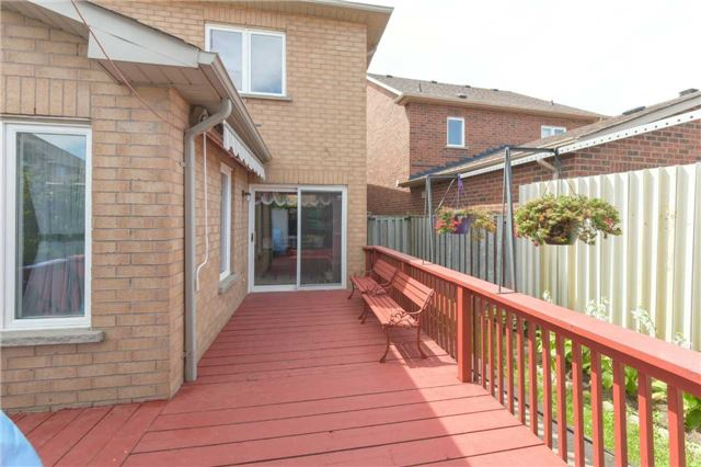 Detached at 6913 Vicar Gate, Mississauga, Ontario. Image 10