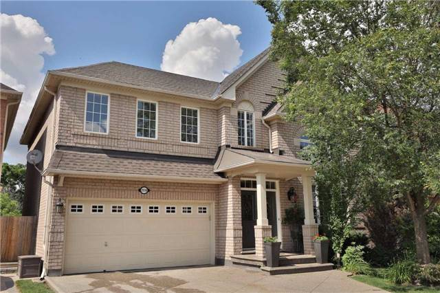 Detached at 2519 Scotch Pine Dr, Oakville, Ontario. Image 1
