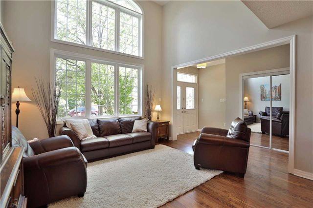 Detached at 2519 Scotch Pine Dr, Oakville, Ontario. Image 12