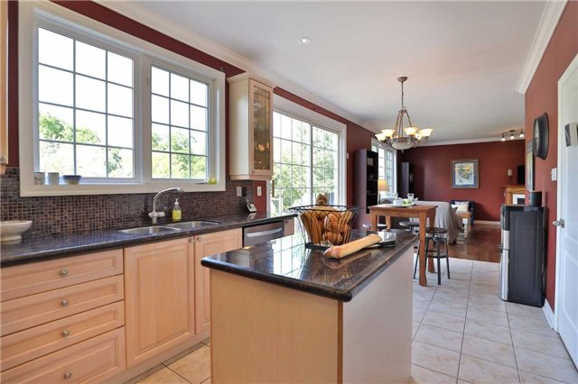 Detached at 2519 Scotch Pine Dr, Oakville, Ontario. Image 17