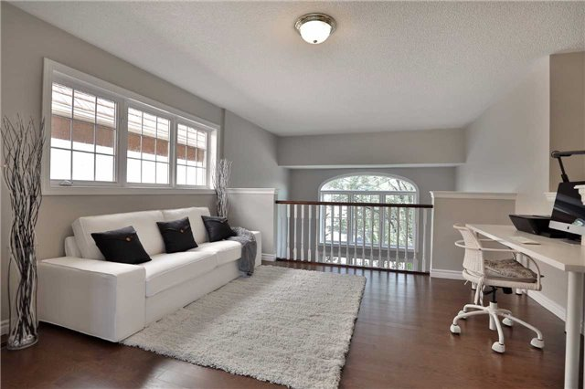Detached at 2519 Scotch Pine Dr, Oakville, Ontario. Image 18