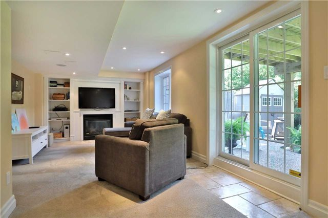 Detached at 2519 Scotch Pine Dr, Oakville, Ontario. Image 6