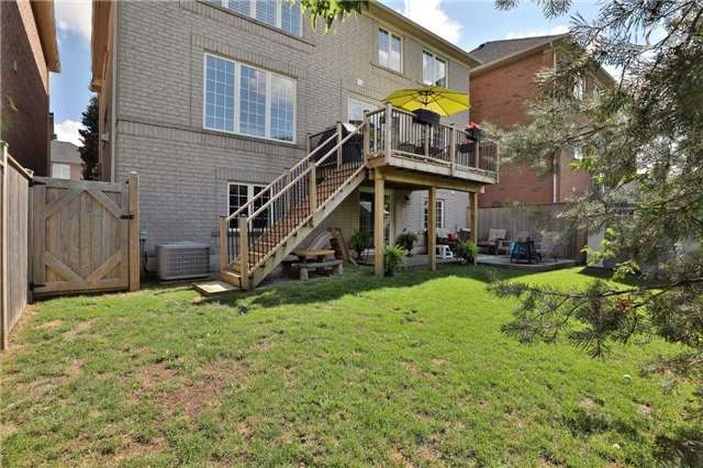 Detached at 2519 Scotch Pine Dr, Oakville, Ontario. Image 13