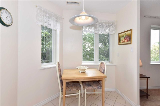 Condo Apartment at 7 Dayspring Circ, Unit 201, Brampton, Ontario. Image 16