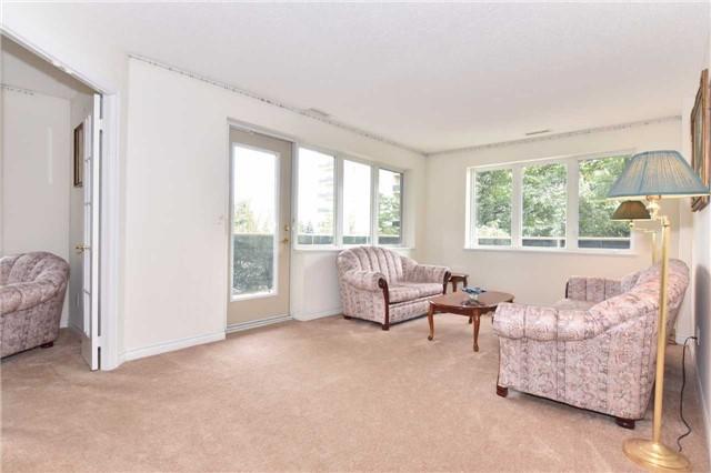 Condo Apartment at 7 Dayspring Circ, Unit 201, Brampton, Ontario. Image 20