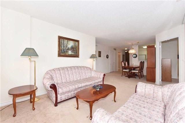 Condo Apartment at 7 Dayspring Circ, Unit 201, Brampton, Ontario. Image 3