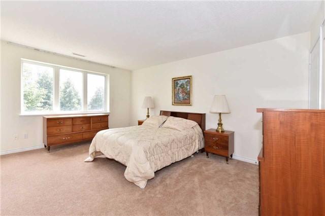 Condo Apartment at 7 Dayspring Circ, Unit 201, Brampton, Ontario. Image 4