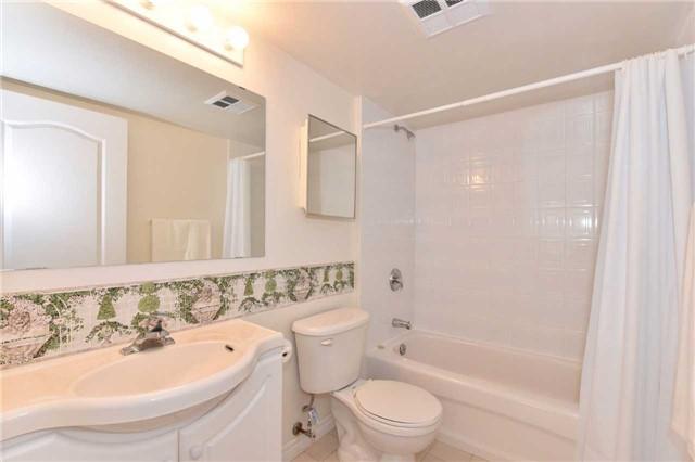 Condo Apartment at 7 Dayspring Circ, Unit 201, Brampton, Ontario. Image 5