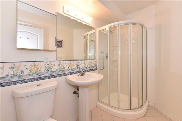 Condo Apartment at 7 Dayspring Circ, Unit 201, Brampton, Ontario. Image 7