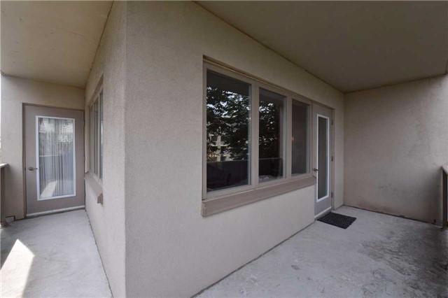 Condo Apartment at 7 Dayspring Circ, Unit 201, Brampton, Ontario. Image 9
