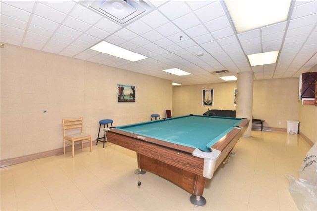 Condo Apartment at 7 Dayspring Circ, Unit 201, Brampton, Ontario. Image 11