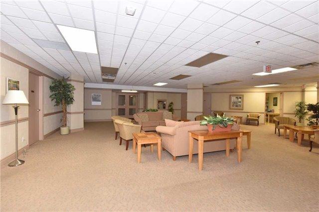 Condo Apartment at 7 Dayspring Circ, Unit 201, Brampton, Ontario. Image 13