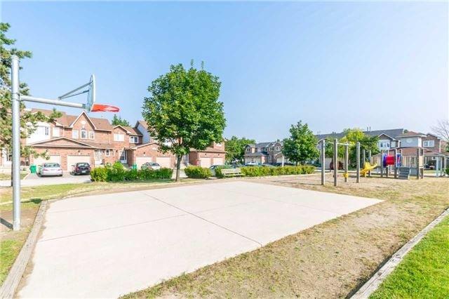 Condo Townhouse at 1484 Torrington Dr, Unit 61, Mississauga, Ontario. Image 13