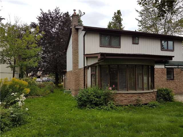Detached at 334 Kingsview Dr, Caledon, Ontario. Image 6