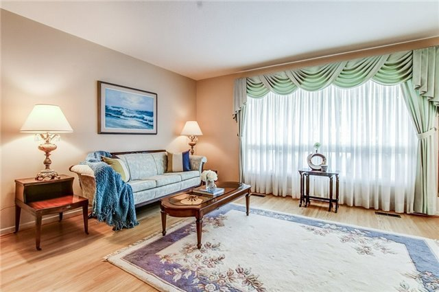 Detached at 1035 Homeric Dr, Mississauga, Ontario. Image 15