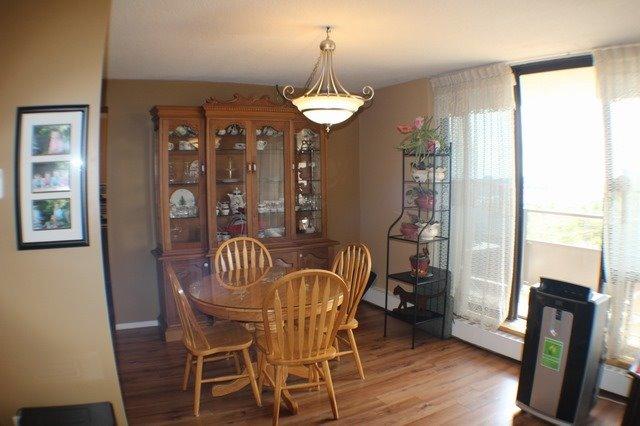 Condo Apartment at 2929 Aquitaine Ave, Unit 612, Mississauga, Ontario. Image 12