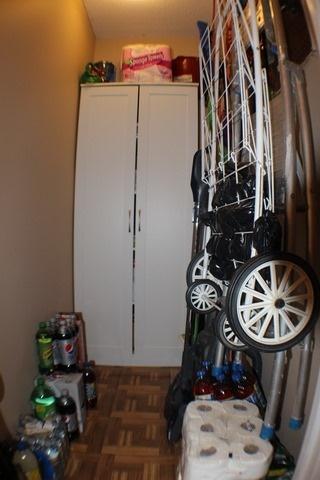 Condo Apartment at 2929 Aquitaine Ave, Unit 612, Mississauga, Ontario. Image 2