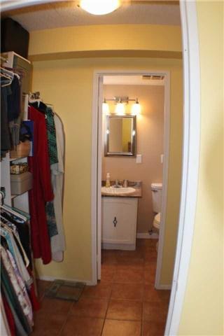 Condo Apartment at 2929 Aquitaine Ave, Unit 612, Mississauga, Ontario. Image 5