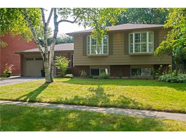 Detached at 4446 Hawthorne Dr, Burlington, Ontario. Image 1