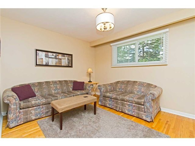 Detached at 4446 Hawthorne Dr, Burlington, Ontario. Image 2