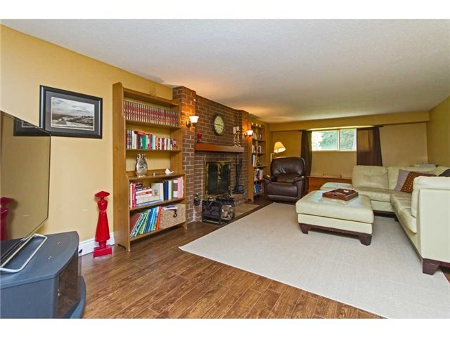 Detached at 4446 Hawthorne Dr, Burlington, Ontario. Image 4