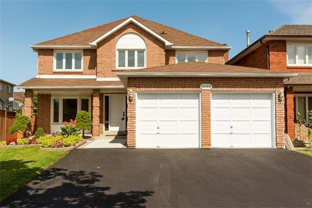 Detached at 5199 Guildwood Way, Mississauga, Ontario. Image 1