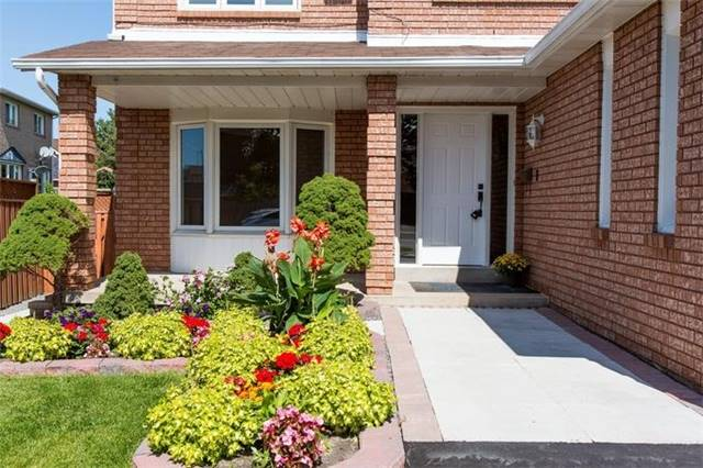 Detached at 5199 Guildwood Way, Mississauga, Ontario. Image 12
