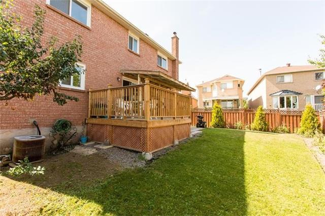 Detached at 5199 Guildwood Way, Mississauga, Ontario. Image 13