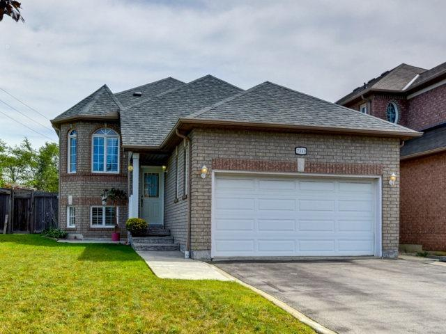 Detached at 7349 Zinnia Pl, Mississauga, Ontario. Image 1