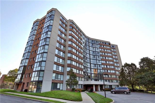 Condo Apartment at 1230 Marlborough Crt, Unit 810, Oakville, Ontario. Image 1