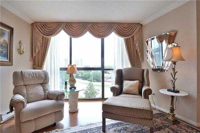Condo Apartment at 1230 Marlborough Crt, Unit 810, Oakville, Ontario. Image 16