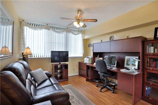 Condo Apartment at 1230 Marlborough Crt, Unit 810, Oakville, Ontario. Image 8