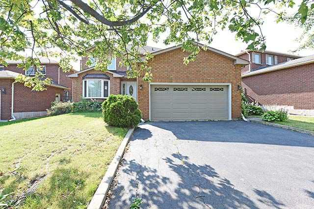 Detached at 158 Stevenson Rd, Oakville, Ontario. Image 1