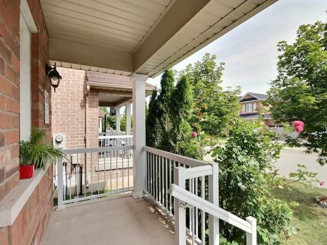 Detached at 1021 Eager Rd, Milton, Ontario. Image 12