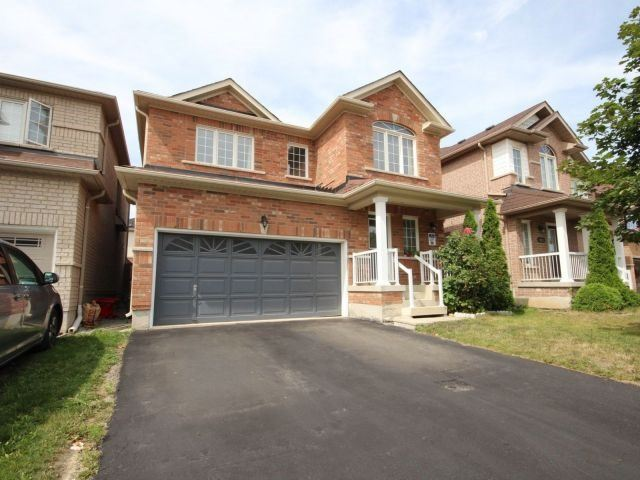 Detached at 1021 Eager Rd, Milton, Ontario. Image 10