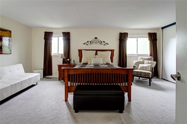Condo Townhouse at 3510 South Millway, Unit 32, Mississauga, Ontario. Image 19