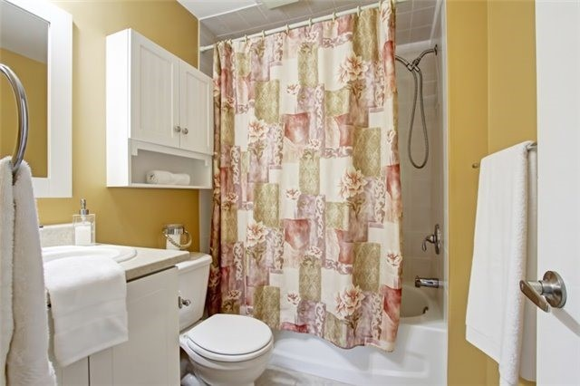 Condo Townhouse at 3510 South Millway, Unit 32, Mississauga, Ontario. Image 2