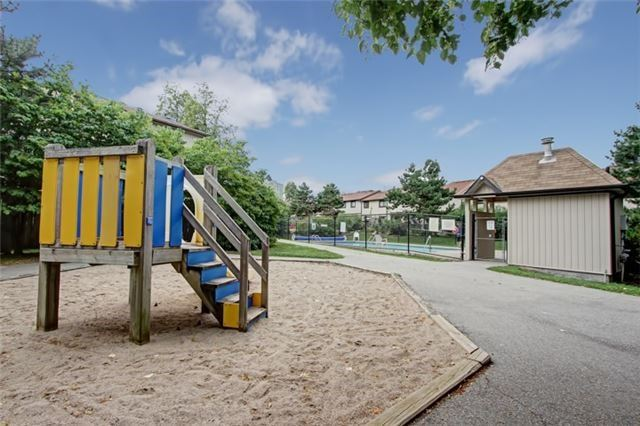 Condo Townhouse at 3510 South Millway, Unit 32, Mississauga, Ontario. Image 13