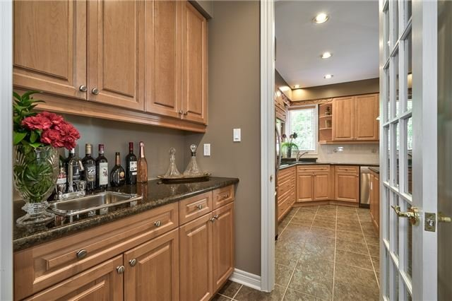 Detached at 161 Creek Path Ave, Oakville, Ontario. Image 17