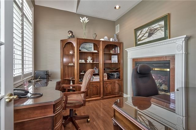 Detached at 161 Creek Path Ave, Oakville, Ontario. Image 2