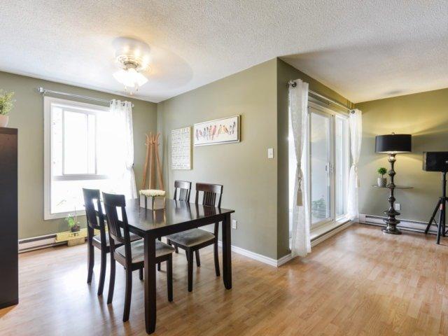Condo Townhouse at 3050 Constitution Blvd, Unit 2, Mississauga, Ontario. Image 6