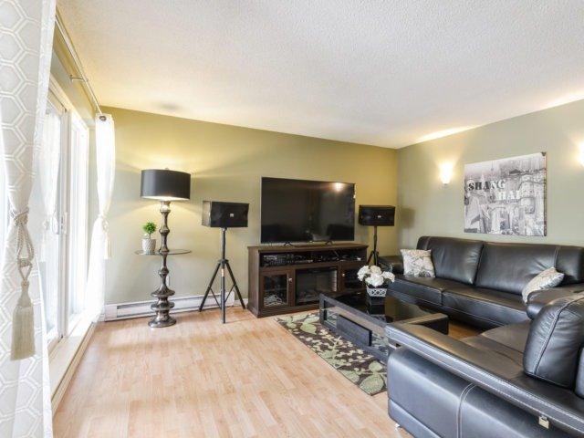 Condo Townhouse at 3050 Constitution Blvd, Unit 2, Mississauga, Ontario. Image 9