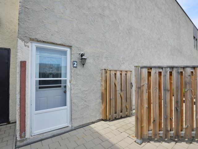 Condo Townhouse at 3050 Constitution Blvd, Unit 2, Mississauga, Ontario. Image 11
